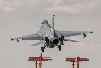 90-0700 - USA - Air Force General Dynamics F-16CG Night Falcon