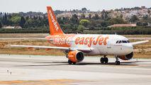 G-EZIO - easyJet Airbus A319 aircraft