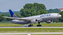 N786UA - United Airlines Boeing 777-200ER aircraft