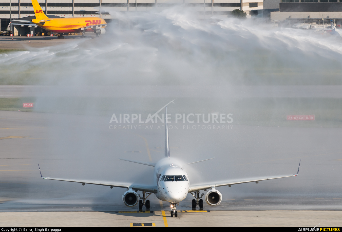 LOT - Polish Airlines SP-LID aircraft at Stuttgart