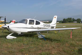D-ESSS - Private Cirrus SR22