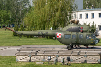 6945 - Poland - Air Force Mil Mi-2