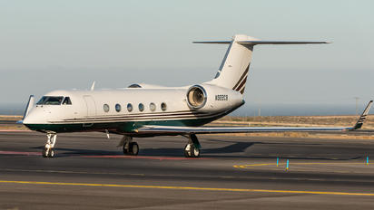 N922CB - Private Gulfstream Aerospace G-IV,  G-IV-SP, G-IV-X, G300, G350, G400, G450