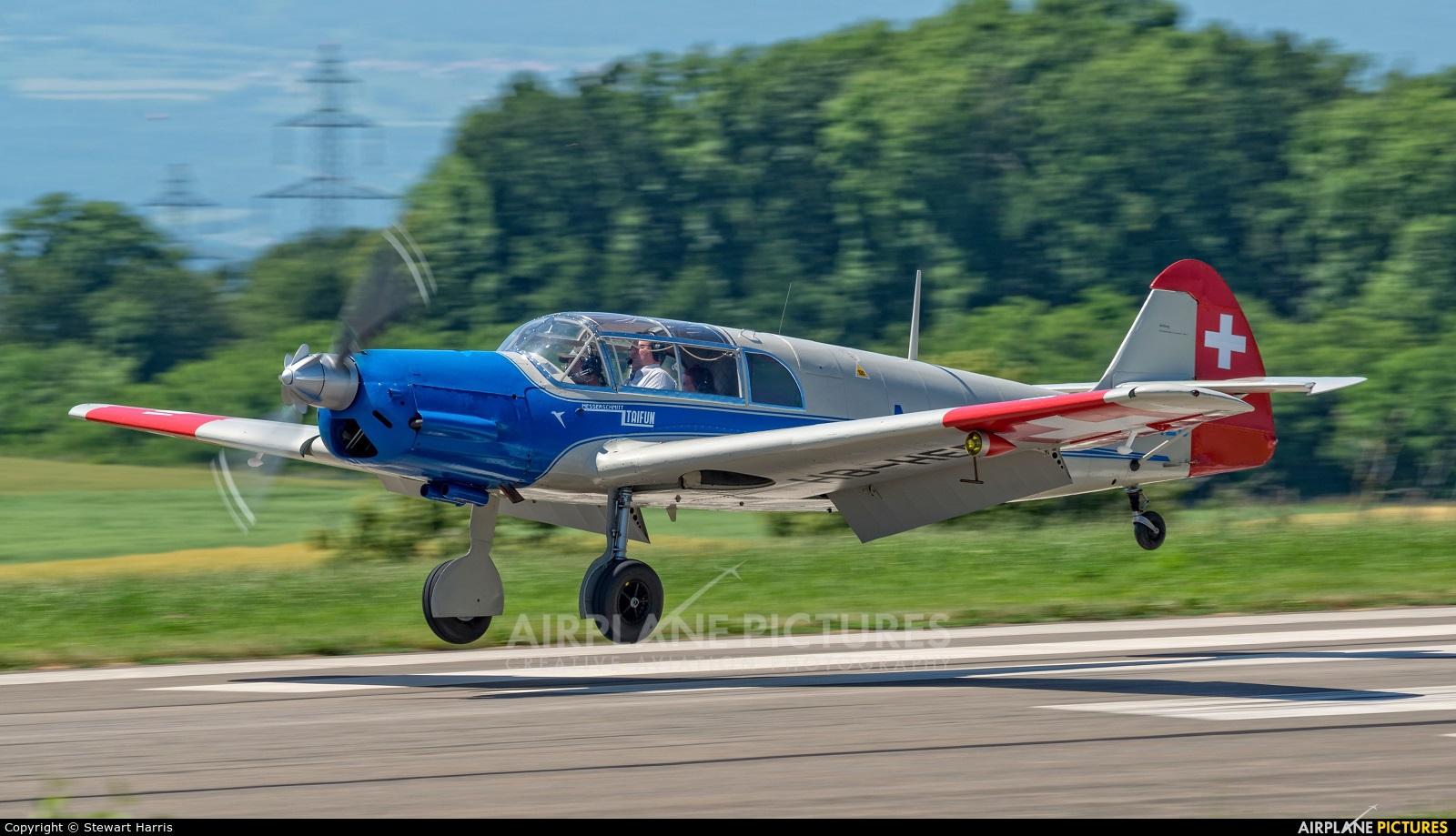 Private HB-HEB aircraft at Lausanne - La Blécherette