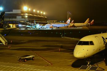 - - - Airport Overview - Airport Overview - Aircraft Detail