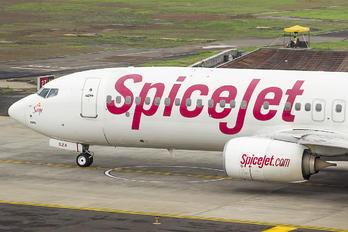 VT-SZA - SpiceJet Boeing 737-86J