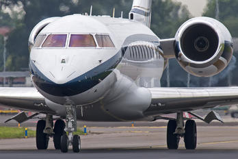 CS-TSL - Private Bombardier BD-700 Global 5000