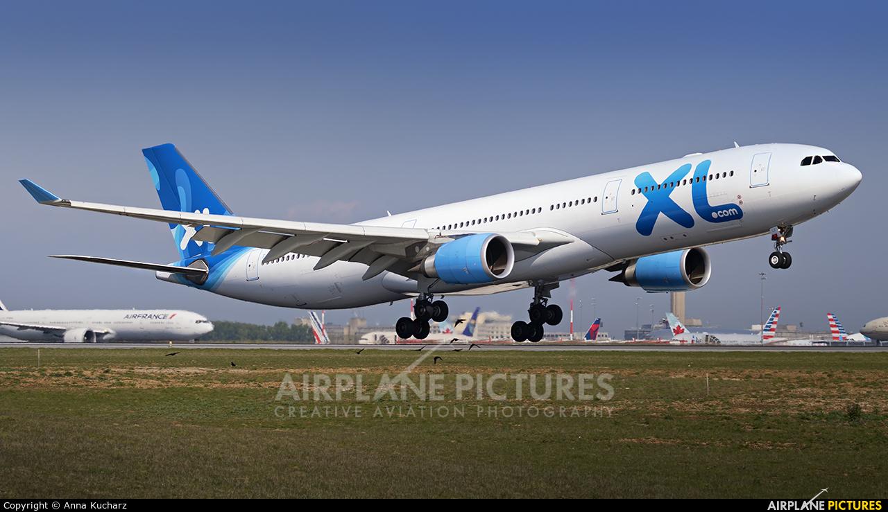 XL Airways France F-HXLF aircraft at Paris - Charles de Gaulle