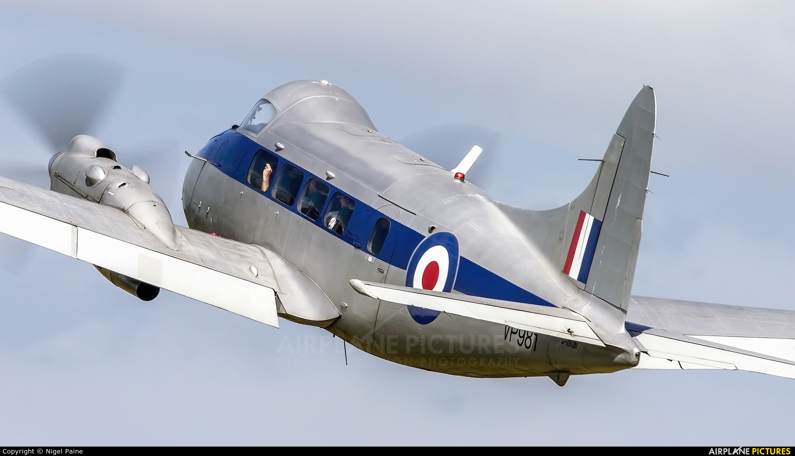 Aero Legends G-DHDV aircraft at Lashenden / Headcorn