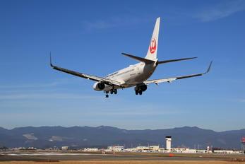 JA301J - JAL - Japan Airlines Boeing 737-800