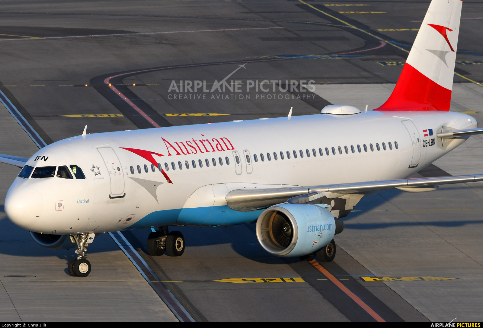 Austrian Airlines/Arrows/Tyrolean OE-LBN aircraft at Vienna - Schwechat