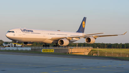 D-AIHW - Lufthansa Airbus A340-600
