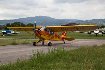 HB-OUE - Private Piper J3 Cub