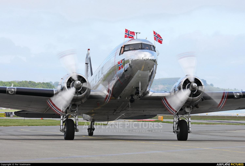 Dakota Norway LN-WND aircraft at Stavanger - Sola