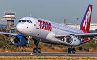 PT-MZZ - TAM Airbus A320 aircraft