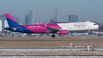HA-LXF - Wizz Air Airbus A321