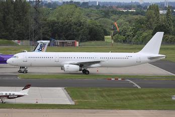 F-WTDH - Novair Airbus A321