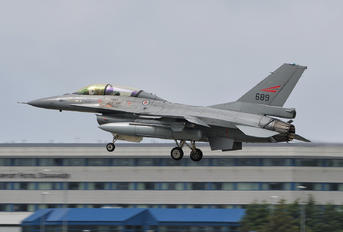 689 - Norway - Royal Norwegian Air Force General Dynamics F-16B Block 15H
