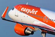 G-EZOO - easyJet Airbus A320 aircraft