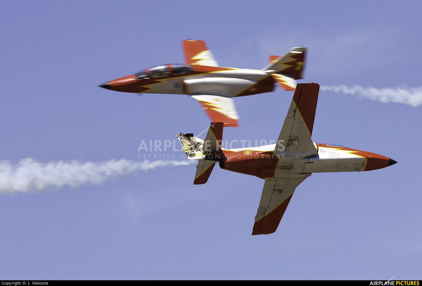 Spain - Air Force : Patrulla Aguila E.25-87 aircraft at León