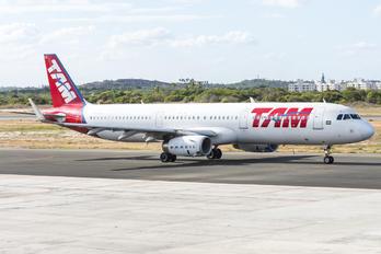 PT-MXO - TAM Airbus A321