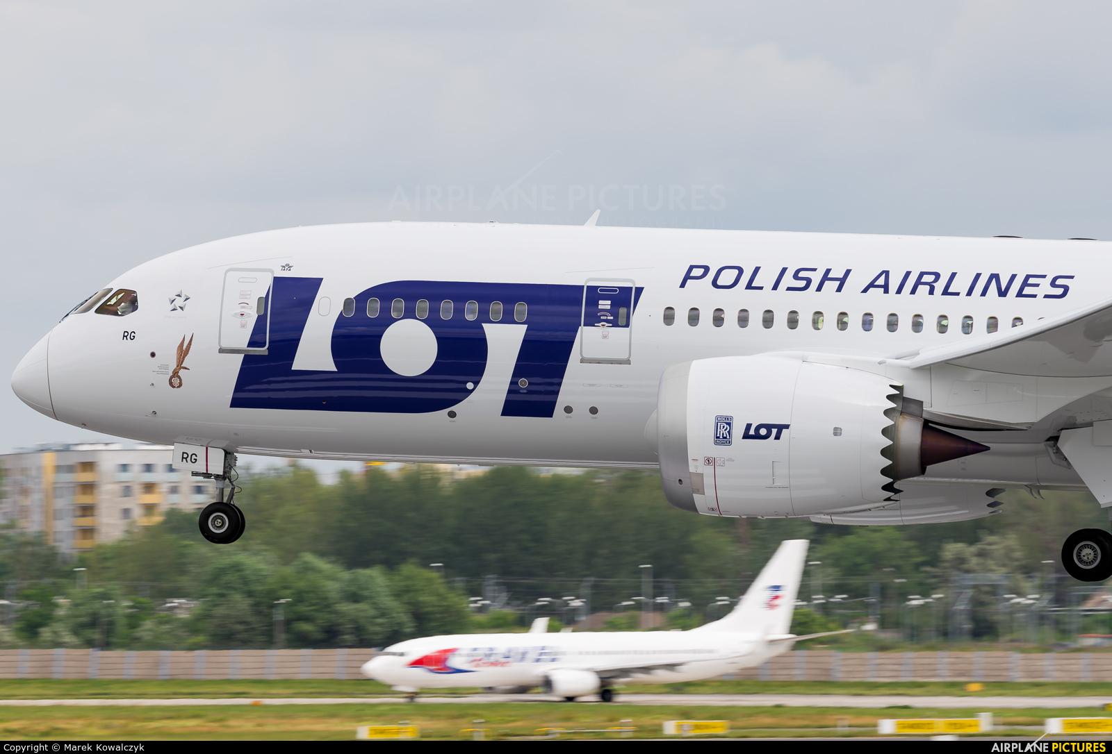 LOT - Polish Airlines SP-LRG aircraft at Warsaw - Frederic Chopin