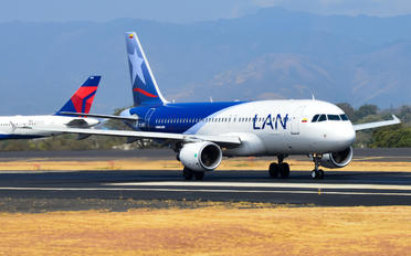 CC-BFD - LAN Colombia Airbus A320
