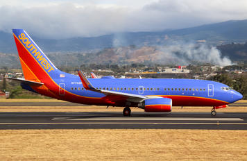 N7752B - Southwest Airlines Boeing 737-700