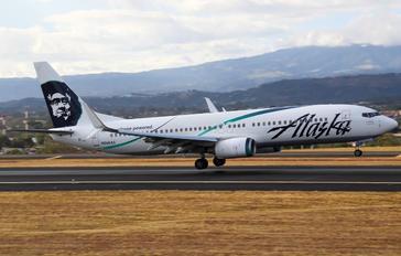 N568AS - Alaska Airlines Boeing 737-800