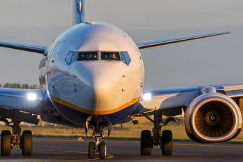 EI-FZA - Ryanair Boeing 737-8AS