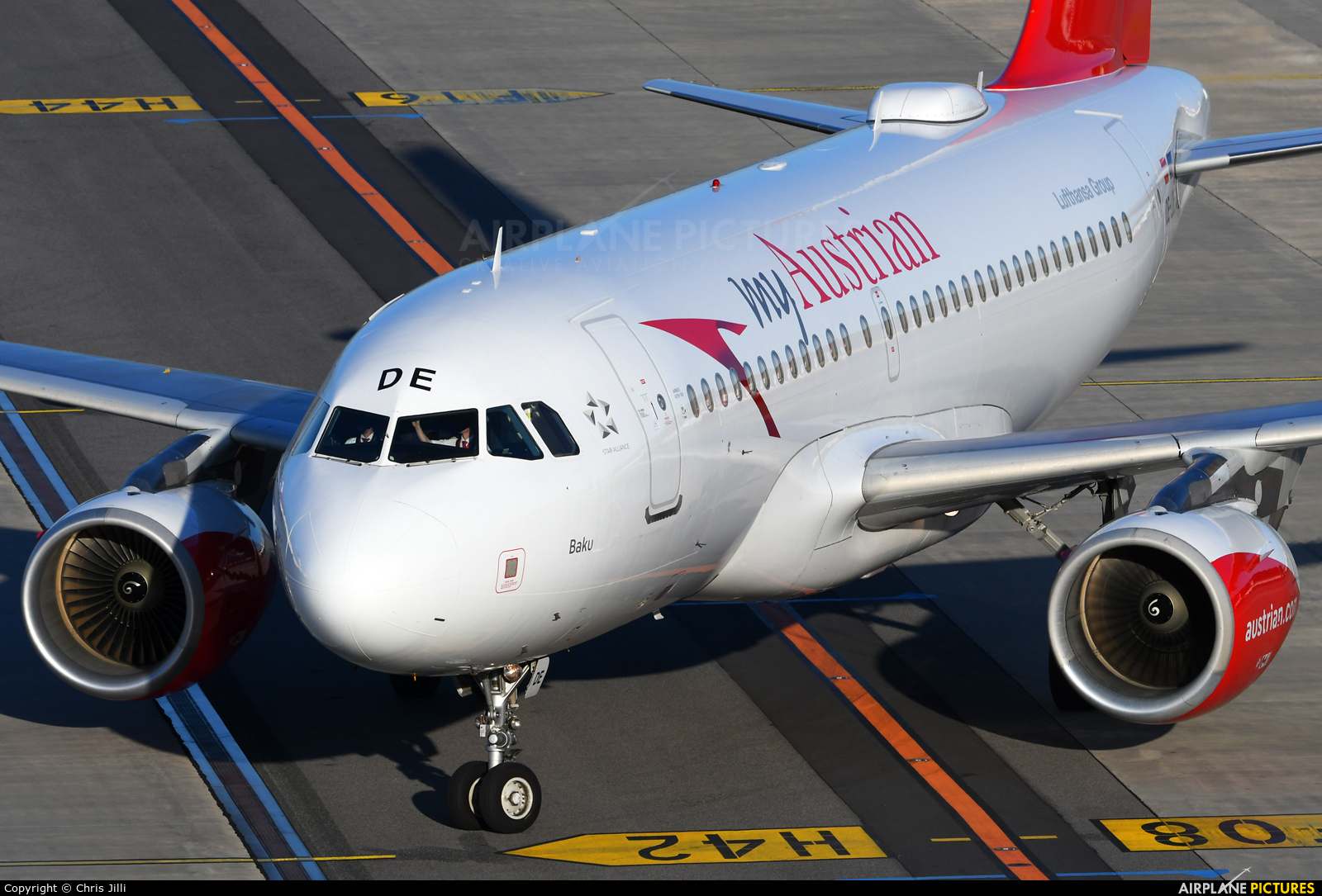 Austrian Airlines/Arrows/Tyrolean OE-LDE aircraft at Vienna - Schwechat