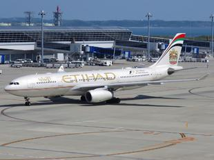 A6-EYL - Etihad Airways Airbus A330-200