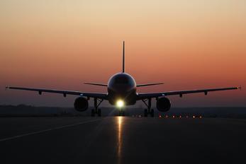 - - Wizz Air Airbus A320