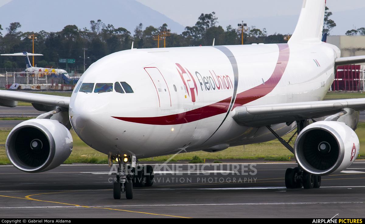Aero Union XA-UYR aircraft at Mexico City - Licenciado Benito Juarez Intl