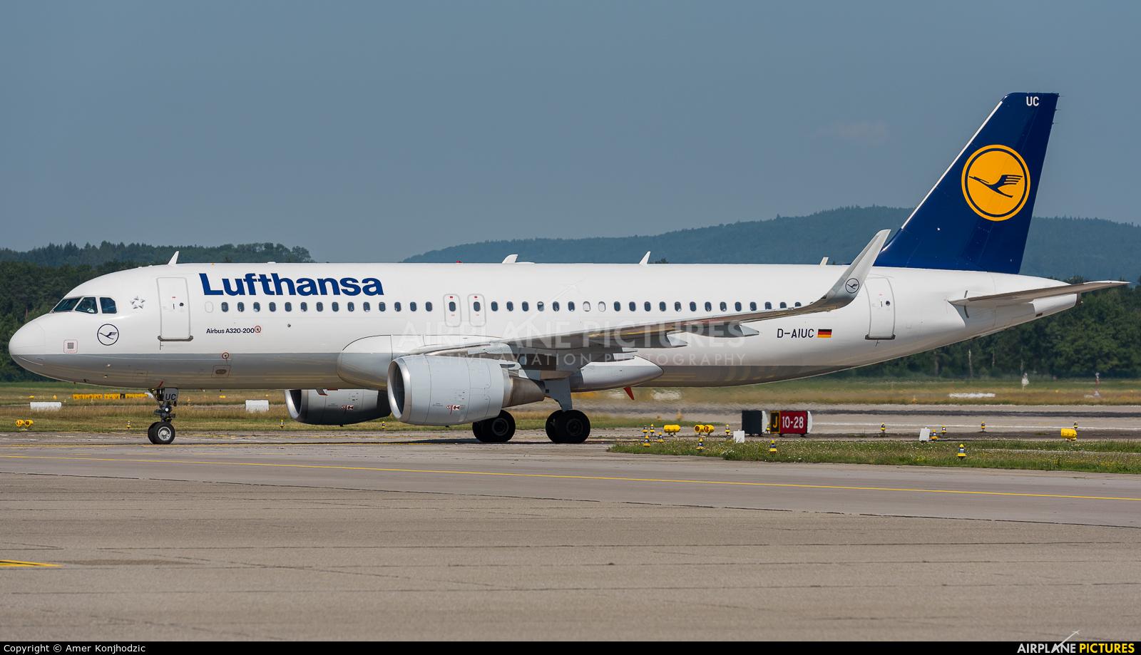 Lufthansa D-AIUC aircraft at Zurich