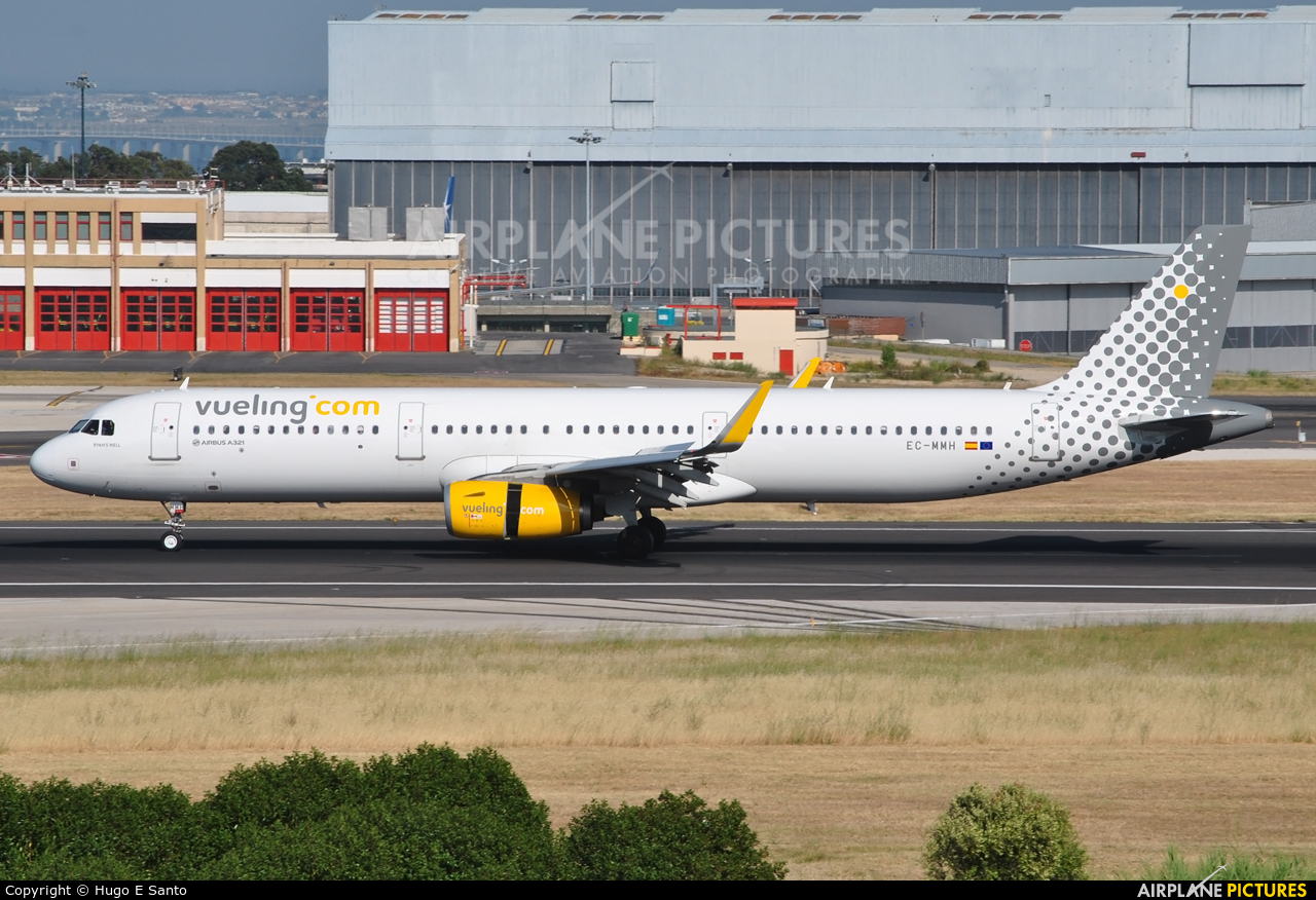 Vueling Airlines EC-MMH aircraft at Lisbon