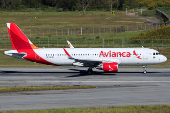 PR-OCW - Avianca Brasil Airbus A320