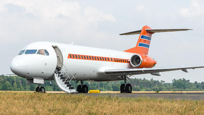 PH-KBX - Netherlands - Government Fokker 70