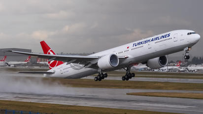 TC-JJU - Turkish Airlines Boeing 777-300ER