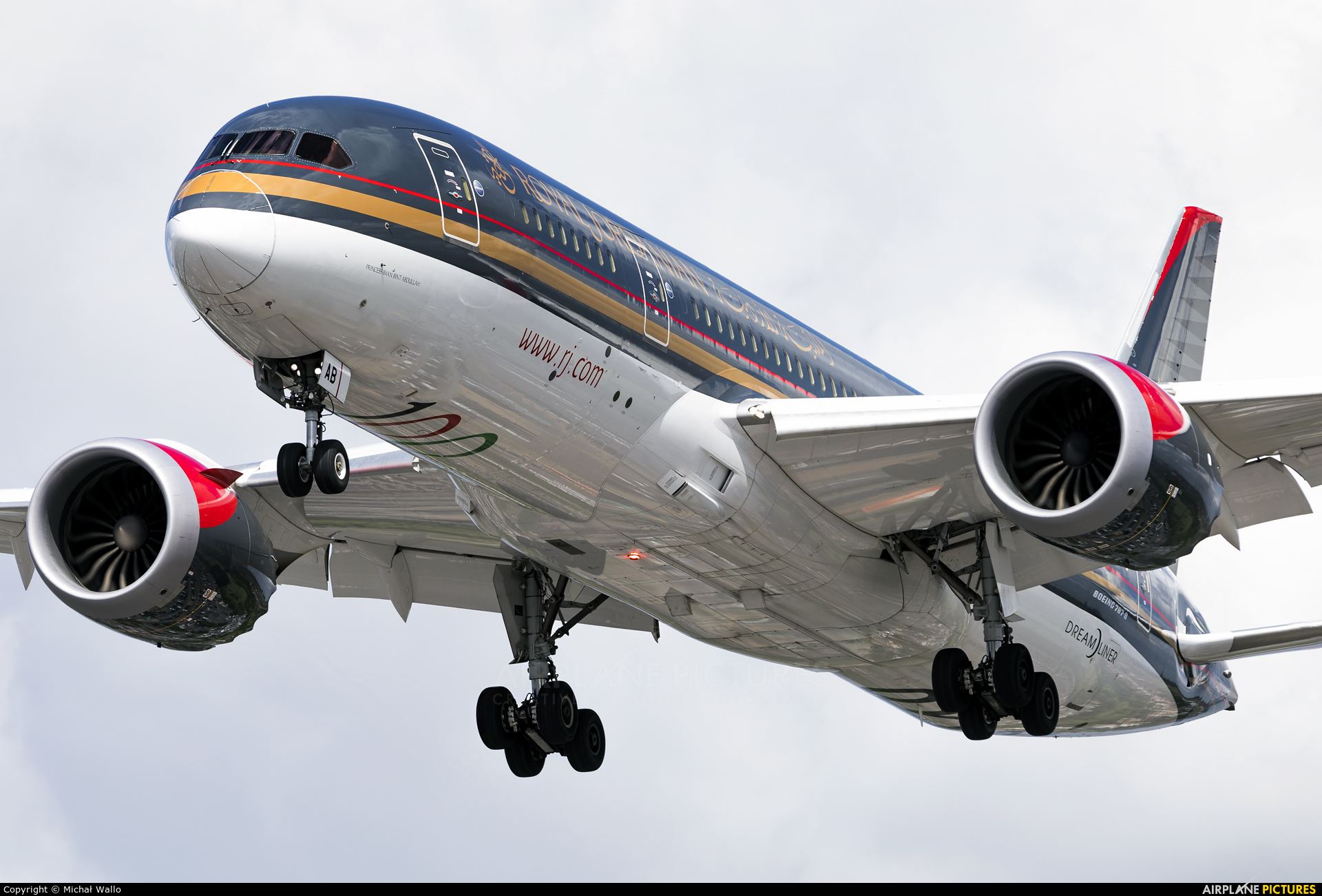 Royal Jordanian JY-BAB aircraft at London - Heathrow