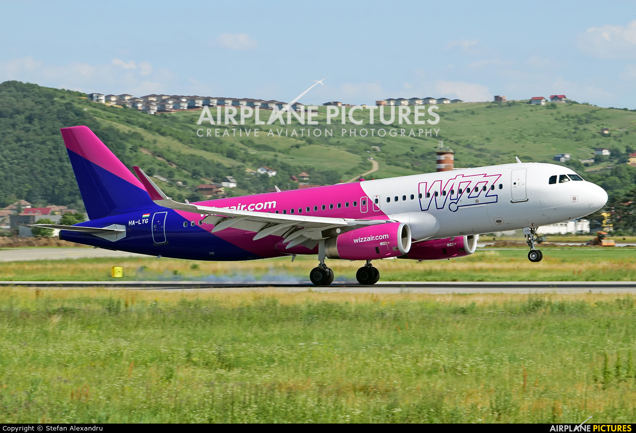 Wizz Air HA-LYG aircraft at Cluj Napoca - Someseni