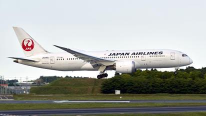 JA830J - JAL - Japan Airlines Boeing 787-8 Dreamliner