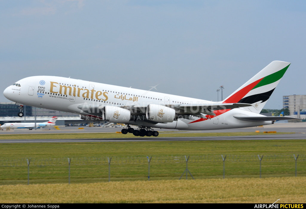 Emirates Airlines A6-EOZ aircraft at Vienna - Schwechat