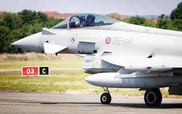 M.M7325 - Italy - Air Force Eurofighter Typhoon T.3