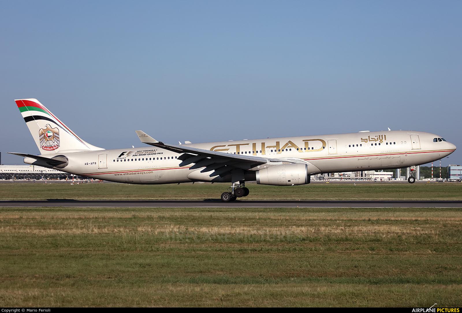 Etihad Airways A6-AFB aircraft at Milan - Malpensa