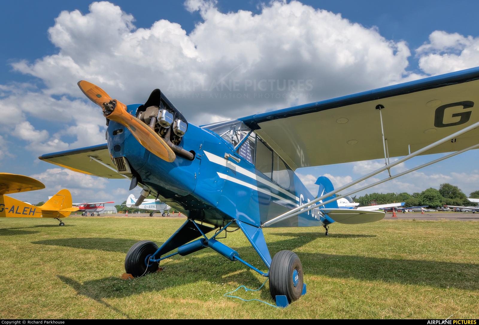 Private G-POOH aircraft at North Weald