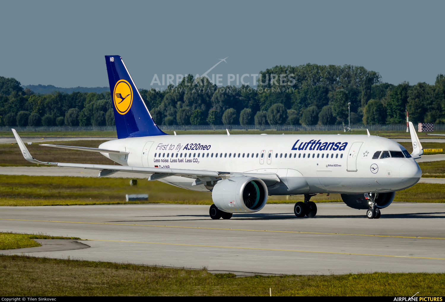 Lufthansa D-AINB aircraft at Munich