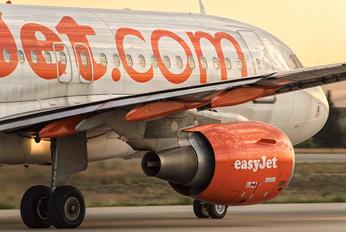 G-EZMK - easyJet Airbus A319