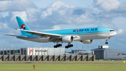 HL7530 - Korean Air Boeing 777-200ER
