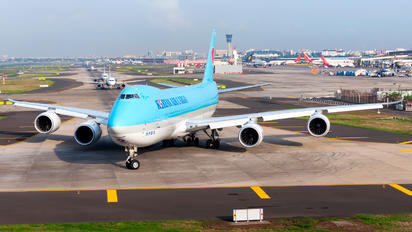 HL7629 - Korean Air Cargo Boeing 747-8F